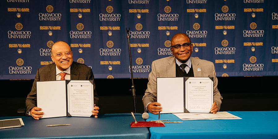 Ross and Oakwood leaders signing partnership agreements
